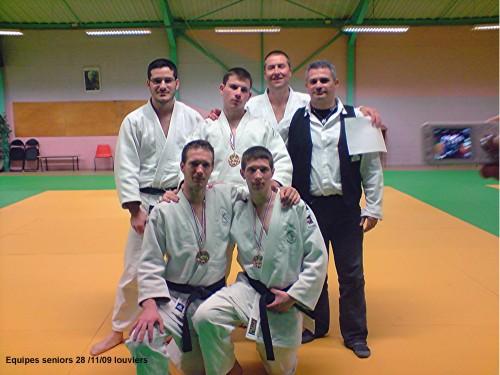 equipe senior 2009 louviers.jpg